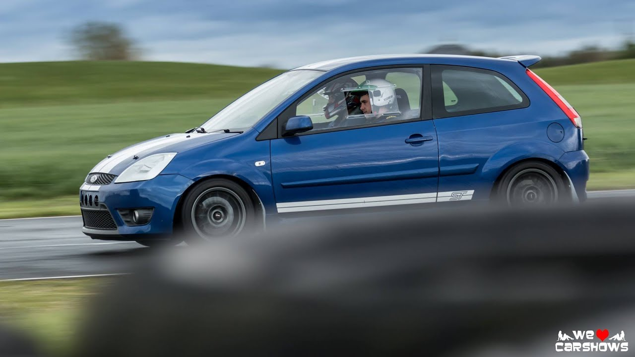 two blue mk6 ford fiesta st at croft summer maddness 2015. Black Bedroom Furniture Sets. Home Design Ideas