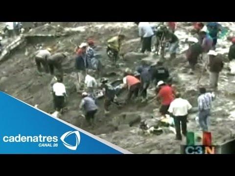 Alud mata a 8 personas y sepulta viviendas en Coscomatepec, Veracruz