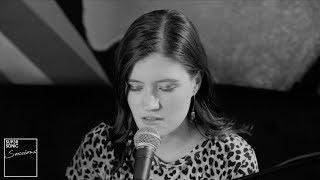 Смотреть клип Madeline Juno - Automatisch