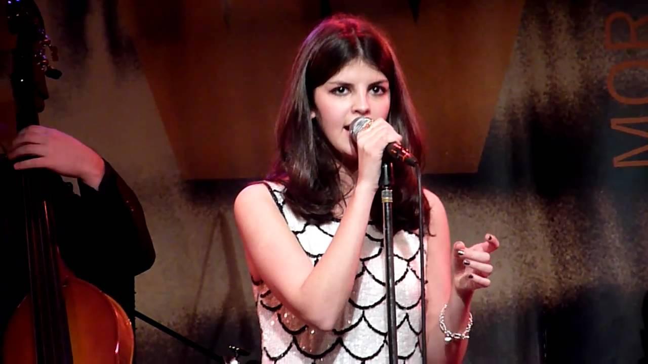 Nikki Yanofsky Sings O Canada Amid Controversy. - Blogger