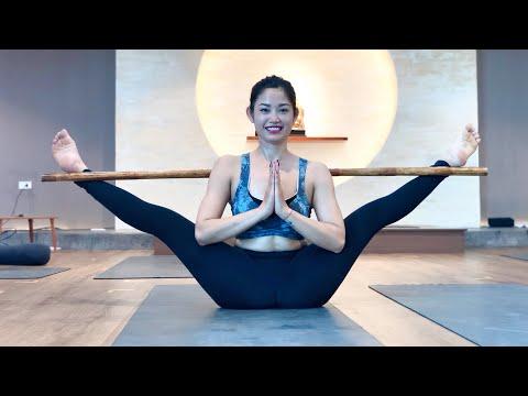 Yoga Show with YTTC Student / Jai yoga