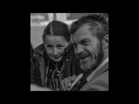 ŐrkutyákCivilben - Fedél Nélkül