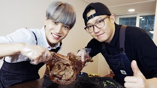 EXO KAI cooks tomahawk steak at YOOXICMAN's home 开_开 [Eng CC]