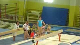 Кабанова Влада, 7 лет - упражнения на бревне