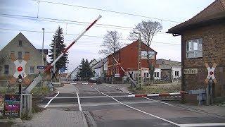 Spoorwegovergang Wulfen (D) // Railroad crossing // Bahnübergang
