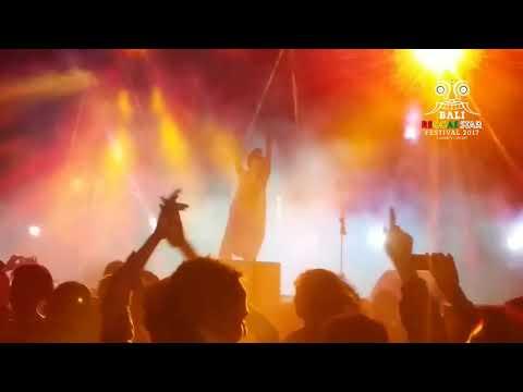 "KALUA live at Bali Reggae star Festival 2017 ""Lagi Habis"""