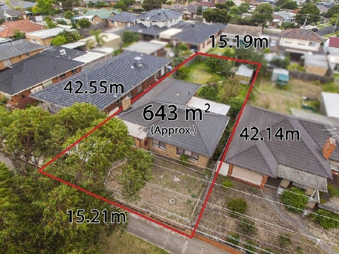 For Sale 77 North Road Avondale Heights Vic 3034 - English