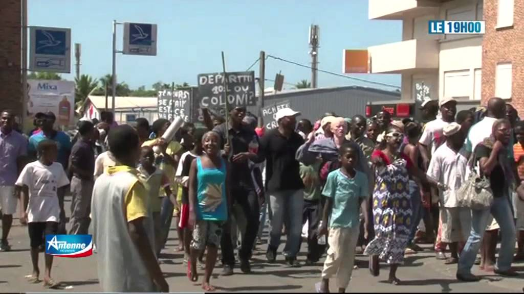 Mayotte chauffour es mamoudzou youtube for Reportage mayotte