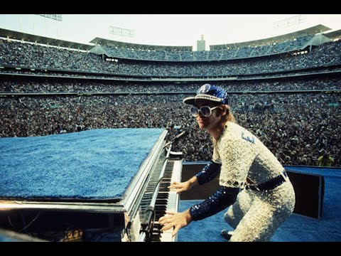 Elton John and his band live at Dodger Stadium 1975 - THE CONCERT