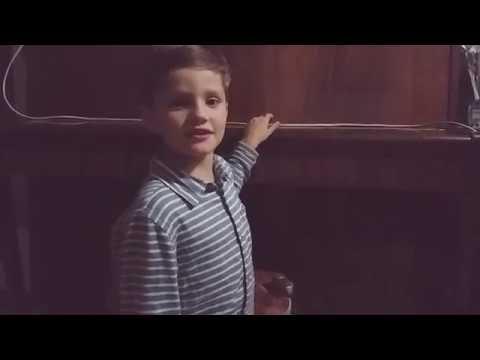 Маленький музыкант:)