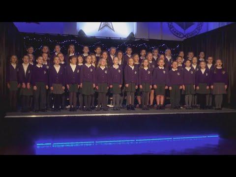 Carol Yr Ŵyl 2017 - Ysgol Gymraeg Sant Curig
