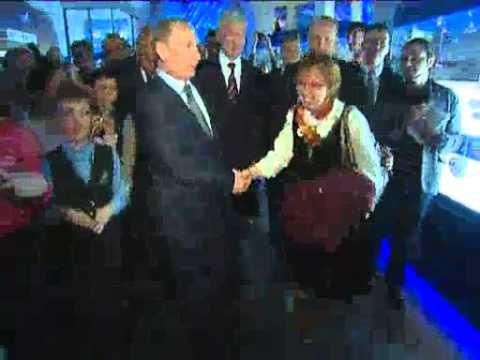 April 12, 2012 Russia_Putin visits planetarium, chairs space industry meeting