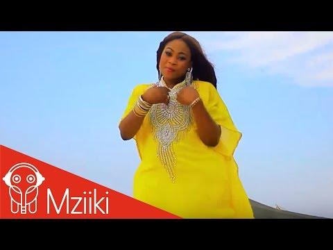 Joyce Blessing - Menka Nykere Obia [Praises] (Official Video)