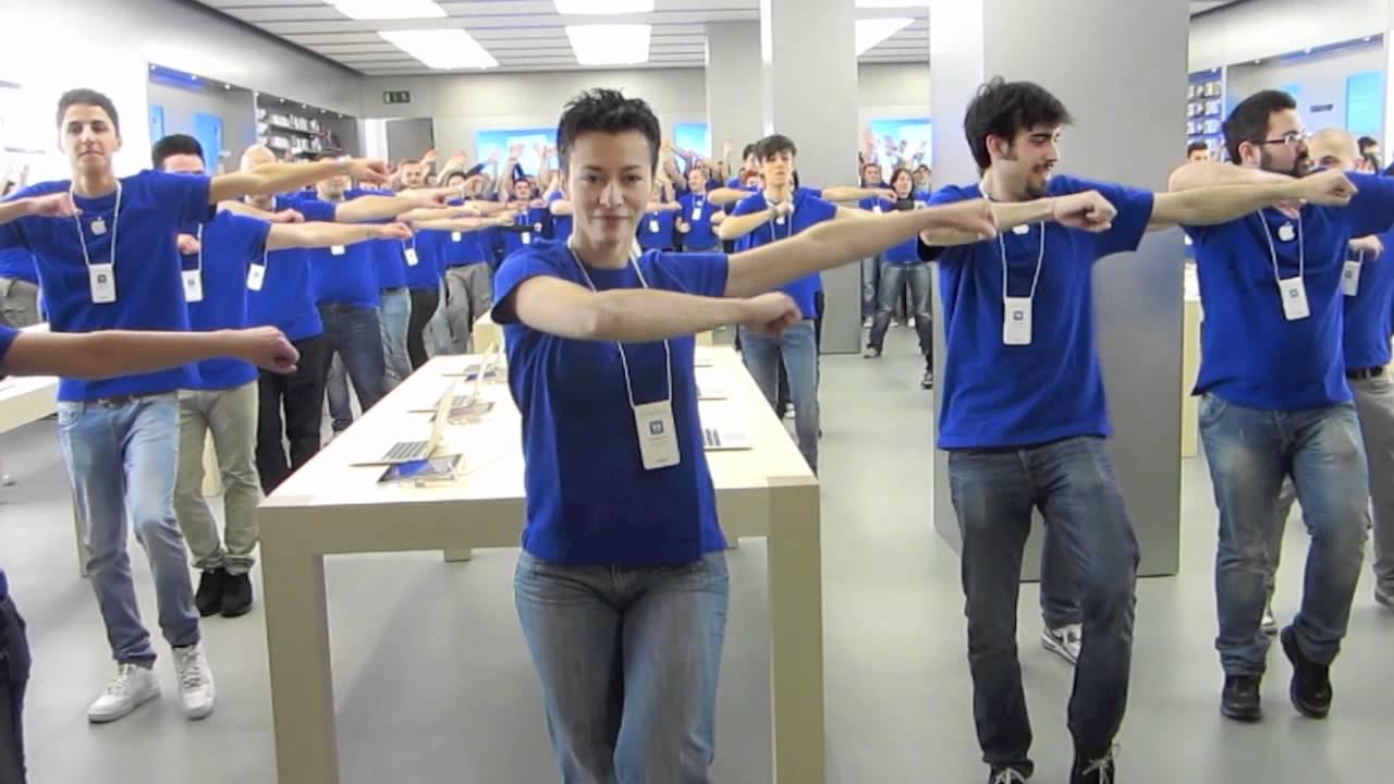Apertura apple store porta di roma youtube - Apertura porta di roma ...