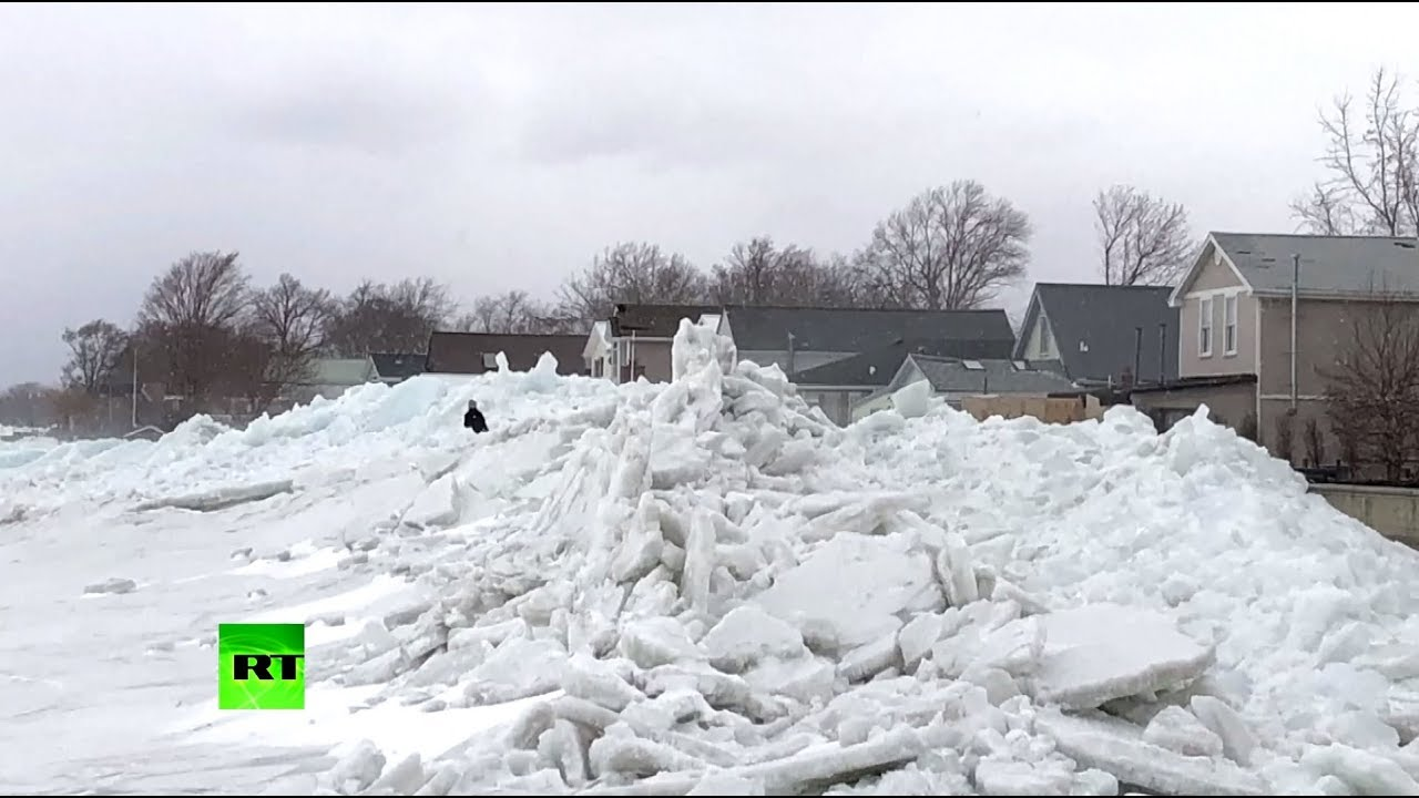 Ледяное цунами: в штате Нью-Йорк бушует непогода