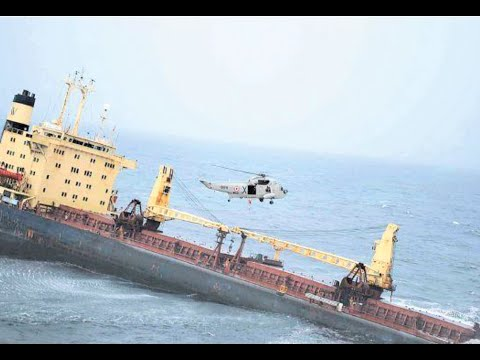 Navy rescues 20 crew members from listing merchant vessel off Mumbai coast   Newspoint