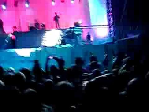 nino cade sul palco a vallata