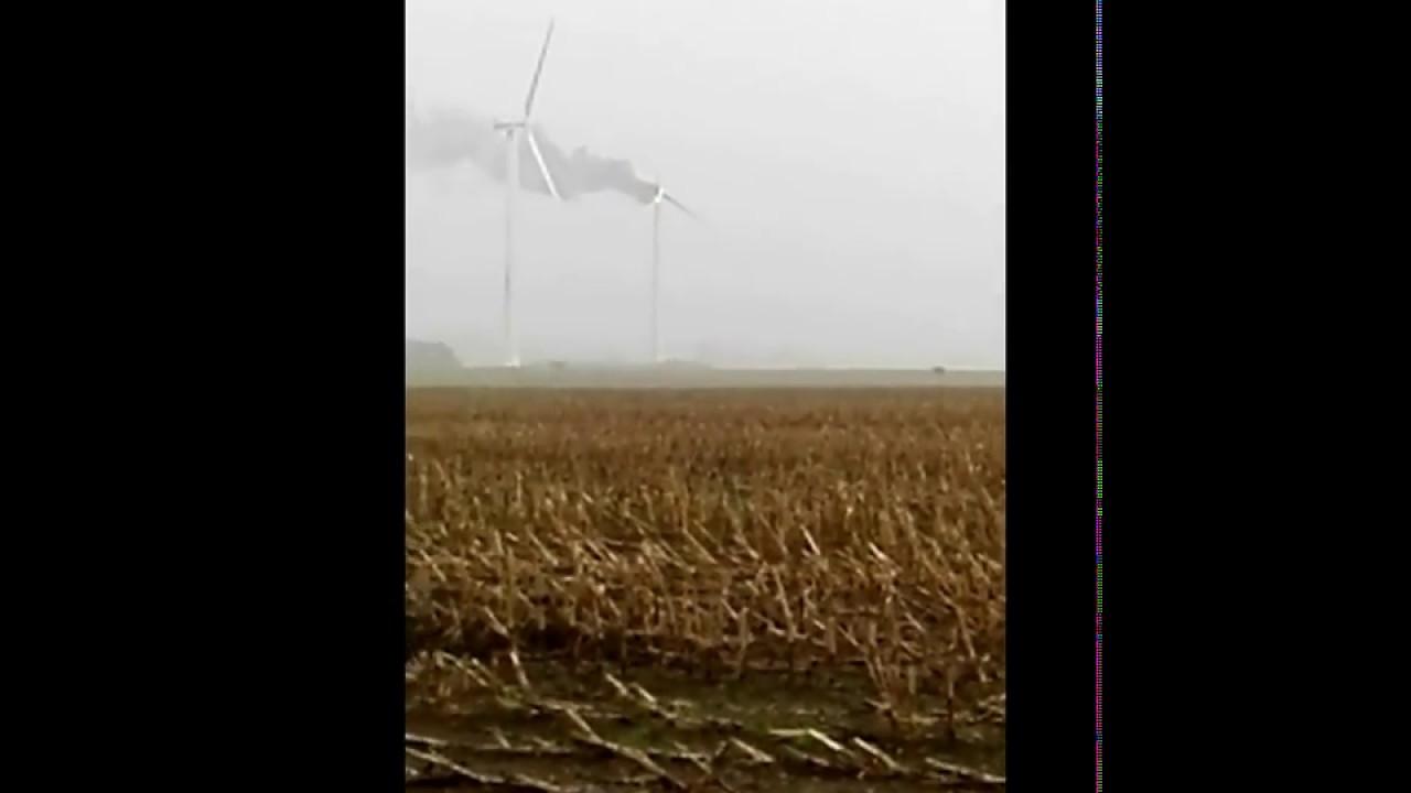 Brændende vindmølle