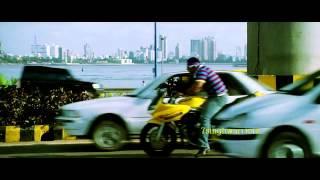 धूम २ Dhoom 2 : *Hrithik Roshan*- Roller Skating-Chase-shot__7sw.