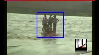 2 brave men rescued 23 people throug heavy flood in Narmada river