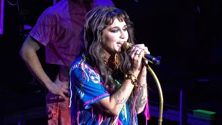 Download Kesha, We R Who We R (live), The Masonic, San Francisco, CA, Dec. 5, 2019 (4K UHD) Mp3 and Videos