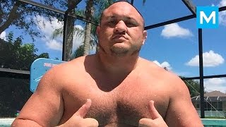 Samoa Joe Training for WWE | Muscle Madness