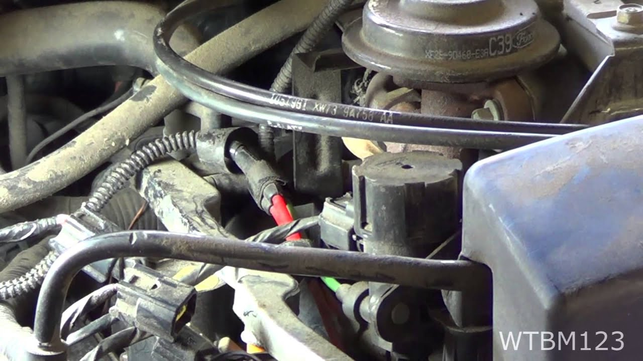 Misfire Ford Spark Plug Change And Po304 P0302 Youtube
