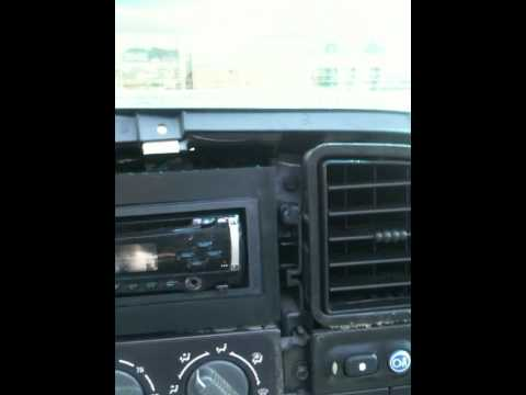 Install radio in 2002 Avalanche - YouTube on 02 avalanche water pump, 02 avalanche fuse, chevy avalanche wiring diagram,