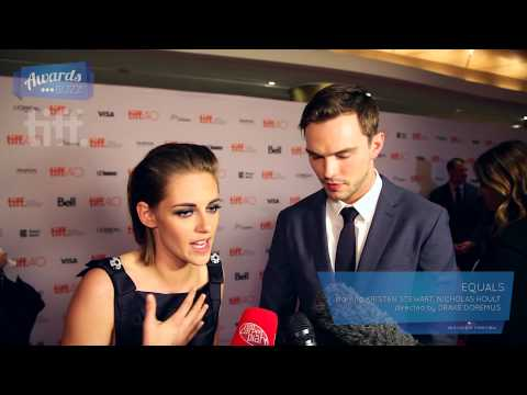Kristen Stewart, Nicholas Hoult Equals Red Carpet (TIFF 2015)