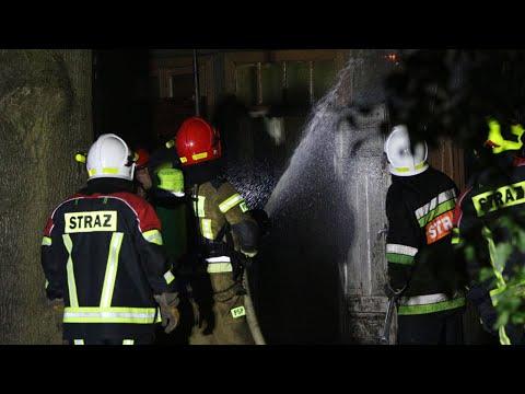 Pożar pustostanu przy ul. Narutowicza w Pabianicach
