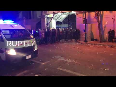 Lebanon: Fireworks fly as police and anti-govt protesters clash in Beirut