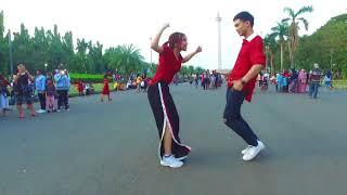 LAGI SYANTIK DANCE IN PUBLIC by Natya \\u0026 Rendy    Choreo by Natya Shina