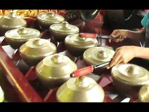 SAMPAK PELOG BARANG - Javanese Gamelan Music Jawa - Balai Budaya Minomartani