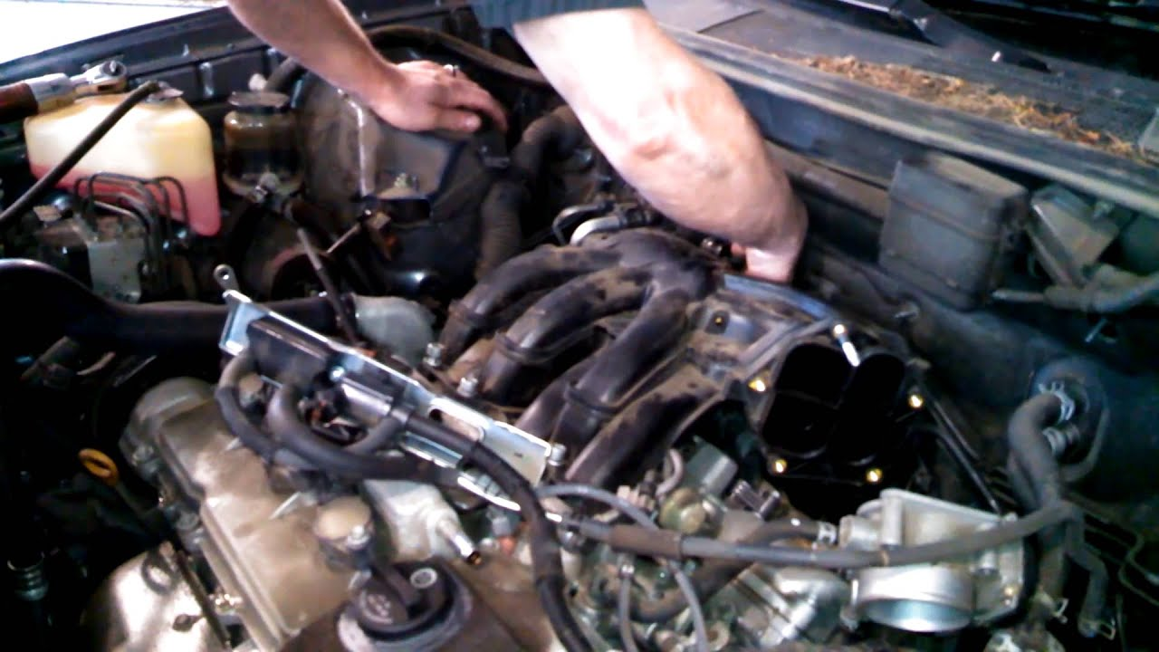 spark plug replacement 2007 toyota highlander 3 3l v6 install remove replace [ 1280 x 720 Pixel ]