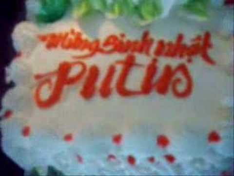 Putin nghich banh sinh nhat