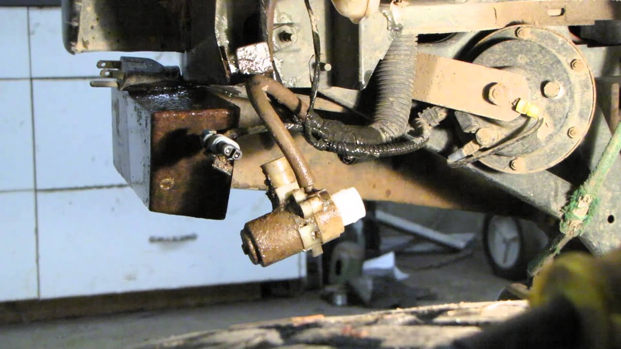maxresdefault xj project 6 windshield washer pump replacement youtube  at bayanpartner.co