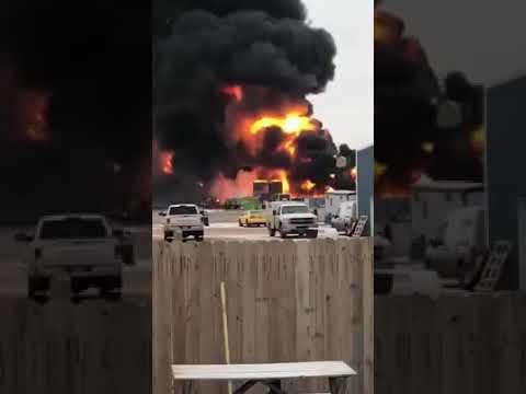 Huge Explosion sends a 400 barrel tank flying, Watford City