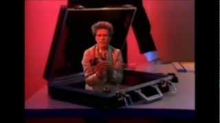 Doe Maar - De Bom  1983