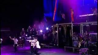 Justin Bieber - One less lonely Girl HD 2011 Live