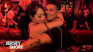 Angelina 'Cheats' w/ Pauly 😱 | Jersey Shore: Family Vacation | MTV