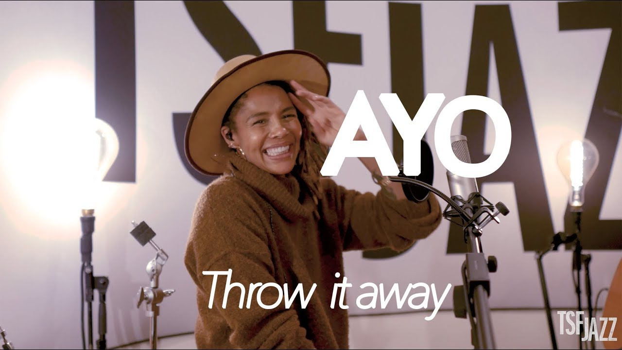 "Ayo ""Throw It Away"" en session musicale sur TSFJAZZ"