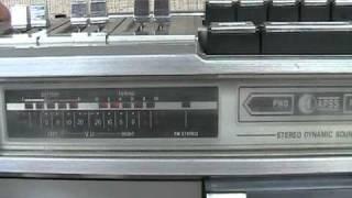 Repeat youtube video Vintage SHARP GF-9292 Boombox Ghetto Blaster Radio NICE!