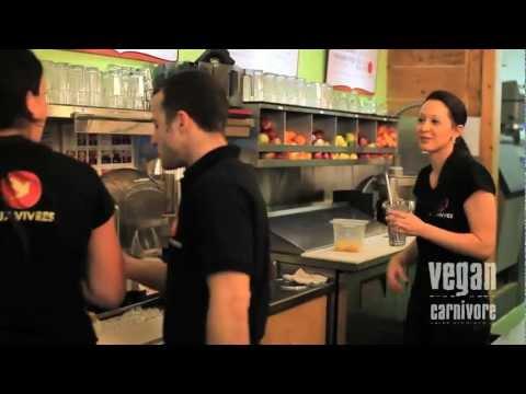 Vegan Carnivore visits Montreal Restaurant Aux Vivres