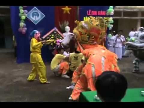 Đội múa lân 12a3 - Mừng ngày khai giảng năm học mới