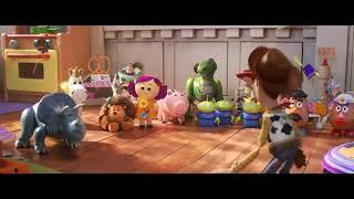 Toy Story 4 Fragmento Escena Woody presenta a Forky a la Pandilla Español Latino