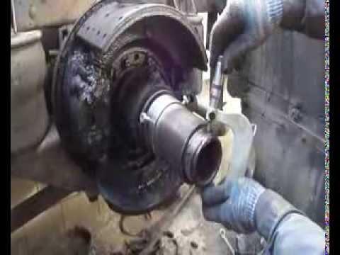 Как нарезать резьбу на чулке,Перерезка резьбы на чулке редуктора Volvo