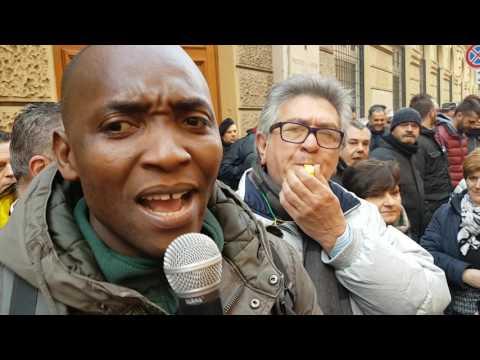 Roma: intervento di Aboubakar Soumahoro al presidio degli LSU