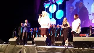 Karen Peck & New River singing Hope for all Nations