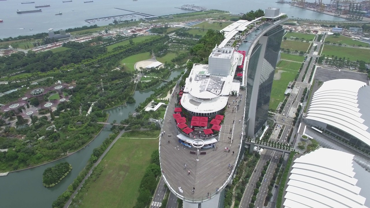 Spectacular View Of Iconic Marina Bay Sands Singapore Flyer Youtube
