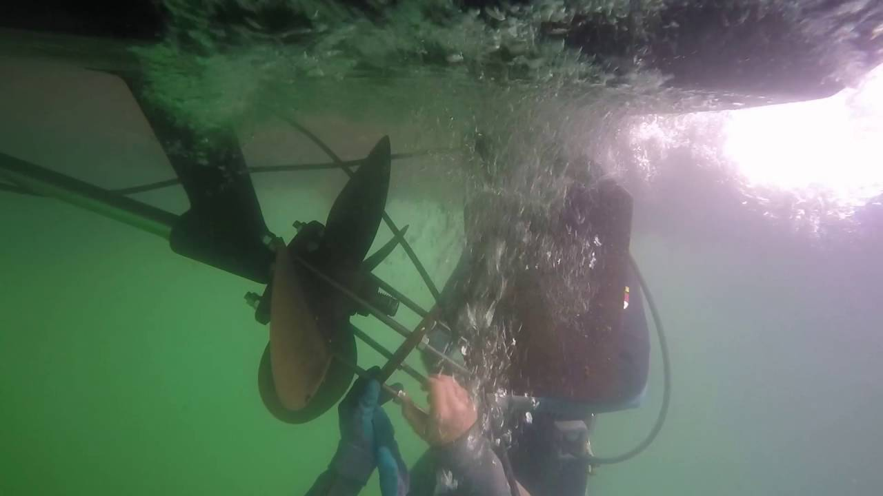 How to Pull an Inboard Propeller